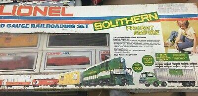 Lionel HO gauge- 1977 Southern Empire Train Set Engine & 4 Cars in Original Box
