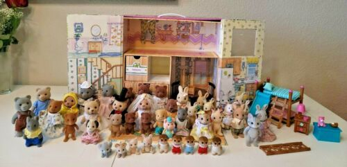 Calico Critters Carry and Play House, Calico Critters and Accessories.