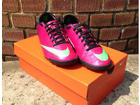 Nike Mercurial Victory IV Football Astro Boots / Trainers - Size 7