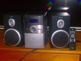 Micro Hi-Fi System by Philips MCB146/05. DAB radio and CD player in excellent condition.