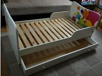 >> A toddler bed for your child. 143 cm long <<