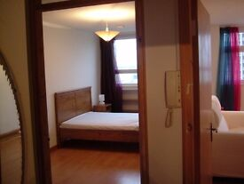 Large One Double Bedroom Apartment in Angel, Islington, EC1