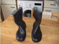 Size 9 Wellington Boots.