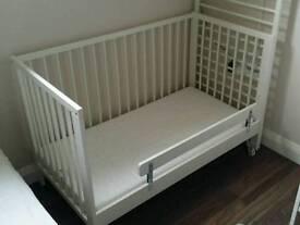 IKEA Gulliver baby cot + Vyssa Skönt matress + Vikare guard rail