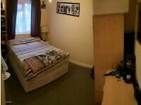 AVAILABLE IMMEDIATELY / Double Bedroom for Rent in London SE20 8NP £115/W