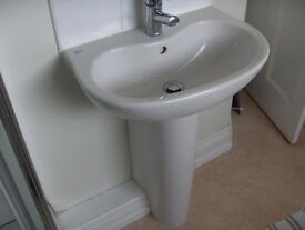 Pedestal Basin with tap and pop-up waste in good condition.