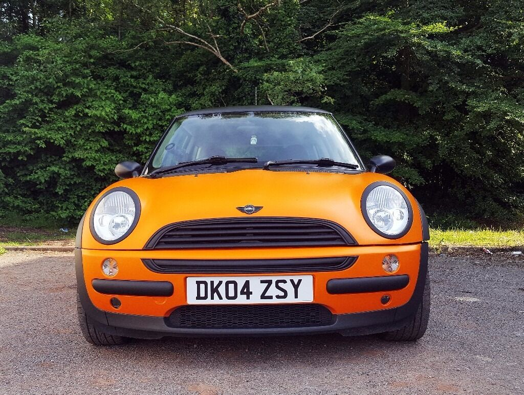 MINI COOPER- Unique Orange/Black Wrapped