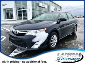 2014 Toyota Camry XLE - Navigation / Leather / Sunroof