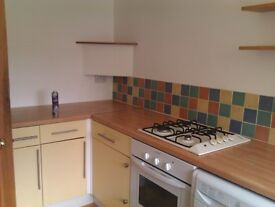 Large 2 Bed Ground Floor Flat With Private Garden & Garage In Lady Bay