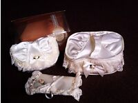 BRAND NEW BEAUTIFUL MATCHING SATIN & LACE VANITY SET OF THREE PIECES, MAKE UP BAGS