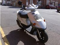 malaguti f10 50cc 2005 comes with 12 months mot great scooter 2 stoke engine,runs very well.