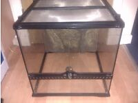*final reduced price *£20* Exo Terra Medium Vivarium. worth over £100