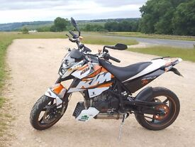 KTM 690 Duke 2008 White Orange - Supermoto