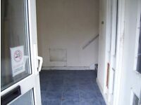 1st floor office/workshop/storage on small industrial estate 1000 sq ft with toilets