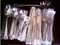 BRAND NEW ORIGINAL 'VINERS' KINGS ROYALE CUTLERY SET, 2 SERVING SPOONS & 1 SPAGHETTI SCOOP