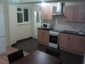 1 ROOM BEDROOM FLAT IN RG1 2RD AREA, TOWN & AREA. STUDIO BEDSIT FLATS AVAILABLE.