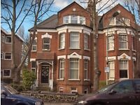 £370 pw | Newly decorated 2 double bedroom ground floor garden flat to rent in Highgate