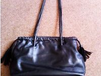 TRULY LOVELY ORIGINAL VERY GOOD QUALITY ITALIAN MADE BLACK REAL LEATHER SHOULDER OR HANDBAG