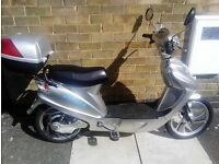 Sakura electric moped scooter 36v in silver recently new batteries with charger in vgc collect only