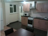SINGLE & DOUBLE ROOMS NEAR TOWN & TRAIN STATION. STUDIO BEDSIT & FLATS AVAILABLE