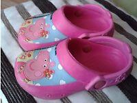 Girls Peppa Pig clogs.