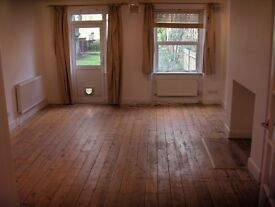 £450 pw | Newly decorated 2 double bedroom ground floor garden flat to rent in Highgate Rent £450
