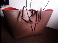 ORIGINAL TRULY LOVELY VERY FASHIONABLE LARGE SHOULDER OR HAND BAG