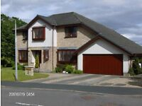 SUPERB 5 BEDROOM DETACHED VILLA, WITH LARGE CONSERVATORY, DOUBLE GARAGE & PARKING FOR SEVERAL CARS