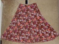 BNWT Brand New With tag Atmosphere Skirt Floral Design Size: UK 10 / ES 38 / D 36
