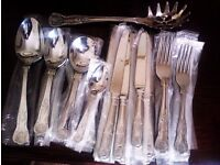 BRAND NEW ORIGINAL 'VINERS' KINGS ROYALE CUTLERY SET FOR SIX & 2 SERVING SPOONS & 1 SPAGHETTI SCOOP