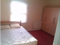 SINGLE & DOUBLE ROOM AVAILABLE NR TOWN & TRAIN. STUDIO BEDSITS & FLATS AVAILABLE. COUPLES & SINGLES