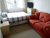 double room to rent in lovely quiet area 15min from central Glasgow