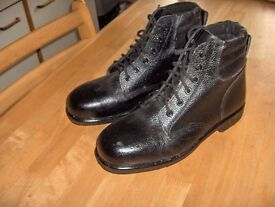 A Pair of Mens Work Boots, (brand new).