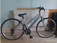 Apollo Excelle Womens Hybrid Bike - Excellent Condition - hardly used.