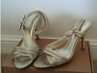 Gold sandal size 4