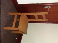 FOUR OAK CHAIRS AND TABLE FOR CHEAP PRICE