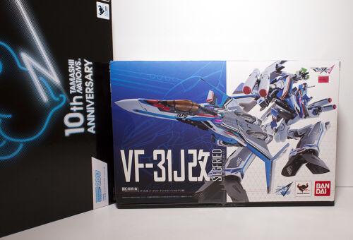 Macross Delta Bandai DX Chogokin VF-31J Kai Siegfried (Hayate Immelman) New USA