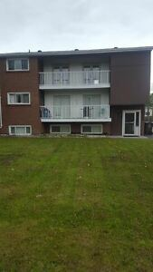 3 BEDROOM, PRICED LIKE A 2 BEDROOM, GREAT LOCATION , RENOVATED