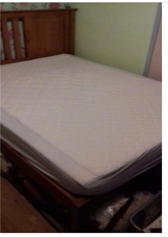1 King size memory foam mattress.