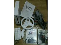 Nintendo wii bundle complete console with 2 games
