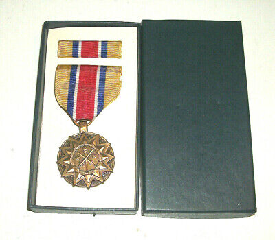 US ARMY RESERVE COMPONENTS ACHIEVEMENT MEDAL NATIONAL GUARD SET Army Reserve Components National Guard