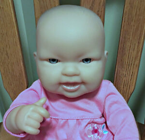 Berengeur Blue -Eyed Baby Girl with Bottom Teeth London Ontario image 4