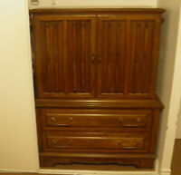 Real Wood Bedroom Set (Dresser and 2 night-tables)