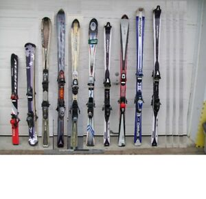 10 Alpine Skis                  /Skis Alpin:
