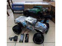 *AS NEW ECX RUCKUS 1/10 ELECTRIC RC MONSTER TRUCK - 550 MOTOR + WATERPROOF ELECTRICS + 2 x BATT*