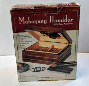 Mahongany Cigar Humidor with accessories