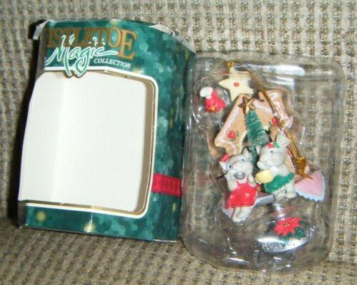 2 MICE SITTING ON CAKE PLATE W/ HOUSE ORNAMENT Mistletoe Magic Christmas in Box