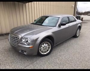 2009 Chrysler 300 3.5 V6 LOW KS !