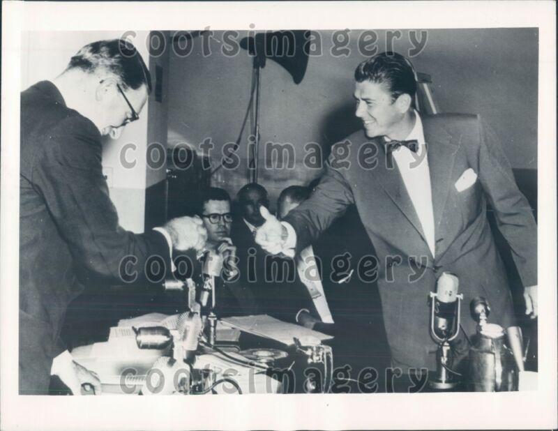 1955 US Senator Estes Kefauver TN Future Politician Ronald Reagan Press Photo
