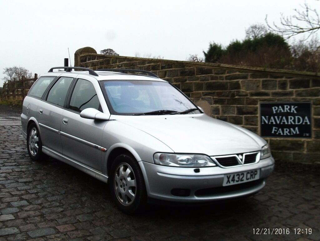 vauxhall vectra cdx estate automatic in silver 2000 x reg. Black Bedroom Furniture Sets. Home Design Ideas